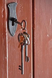 Externships: Unlocking the Back Door to an Internship–Job Search Tips